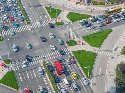 如何正确通过十字路口 走字旁碎了道